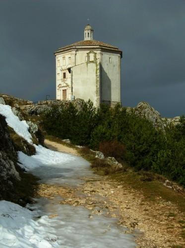Calascio - Arcobaleno su Santa Maria