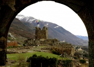 Castel Grumello alza i vessilli