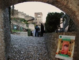 L'entrata e sullo sfondo la Torre  Picadora