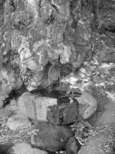 """La fontana dei """"Trolls"""""""