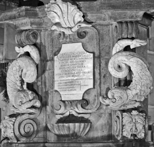 Campagnano di Roma - La fontana dei Delfini