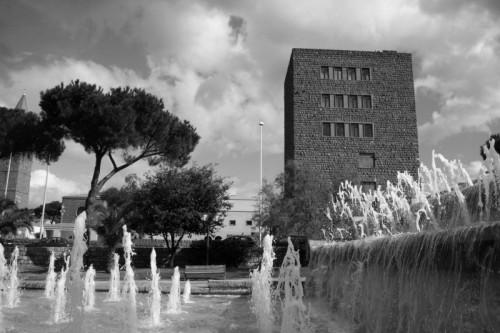 Carbonia - Giochi d'acqua sotto la torre