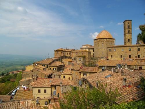 Volterra - Un affaccio su Volterra...