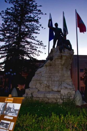 Acireale - Acireale, prima città di Sicilia ad Esporre il tricolore
