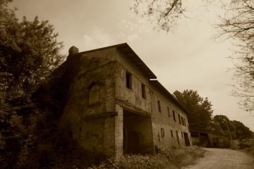Cappella Cantone - La noia l'abbandono il niente sono la tua malattia...
