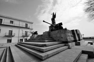 Caltanissetta, Monumento ai caduti.