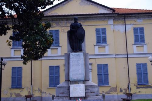 Sant'Angelo Lomellina - Monumento ai caduti per la Patria nella guerra di Redenzione
