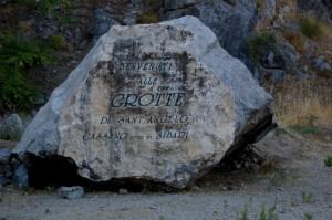 benvenuti scritti sulla pietra