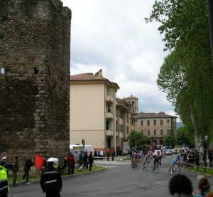 Giro a Porta d'Arce