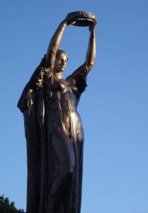 Monumento ai caduti-Lungolago di Verbania 2