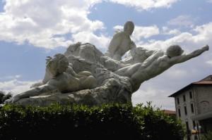 Ai caduti Monumento dello scultore E.Dini