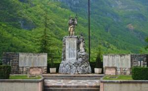 Frazione di Pedescala -  I due Monumenti