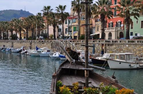 Riva Ligure - Gatto marinaio, custode della barca