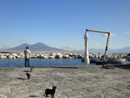 Napoli - ...Shhh!!!...non fare rumore...altrimenti i ''pesci'' non abboccano...