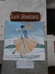Usseaux, frazione Balboutet, meridiana sul muro di una casa
