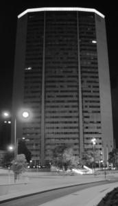 Pirellone in bianco e nero