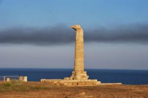 l'ultima delle colonne del tempio di Hera Lacinia a Capo Colonna (Crotone)
