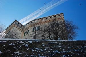 In volo sul castello