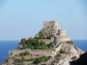 Il castello di S. Alessio Siculo visto dall'alto