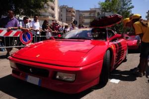 Ferrari con ombrellino