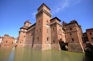 il castel Estense a Ferrara sorse il giorno di San Michele
