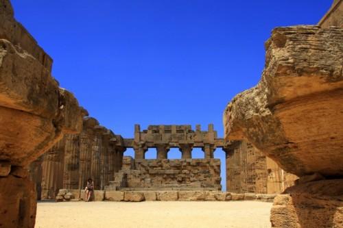 Castelvetrano - tra altari e colonne