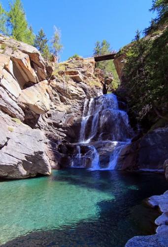 Cogne - Il laghetto delle cascate di Lillaz