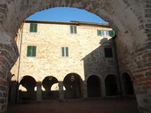 Cornice medievale