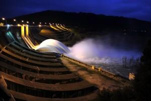 La cascata della diga di Corbara