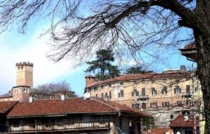 RIVARA - Vecchio e nuovo Castello  dei Conti di Valperga