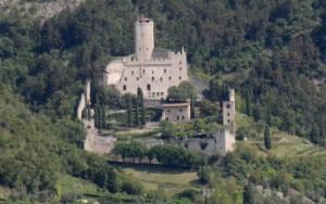 Il castello di Avio al volo dall'autostrada