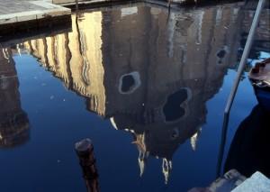 Riflesso sul canale