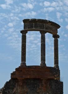 Pompei, Scavi, Colonne nell'Azzurro/2