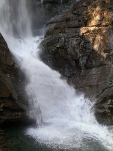 Cascate di Lillaz - Un velo d'organza scivola sulle rocce