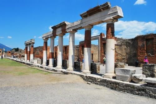 Pompei - colonne pompeiane