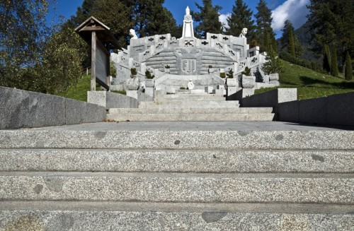 Bondo - Al monumento della grande guerra