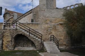 la scala che dal lungomare imperatore-augusto porta a Largo Mons. Ruffo