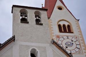 la Chiesa parrocchiale di SS. Pietro e Agnese a Valdaora di Sotto