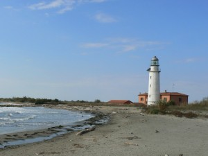 Faro di Goro dalla spiaggia