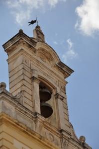 il campanile a vela sulla torre dell'Orologio a Fasano