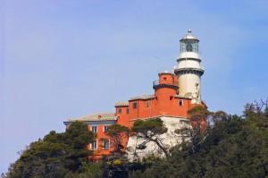 Faro dell'isola del Tino