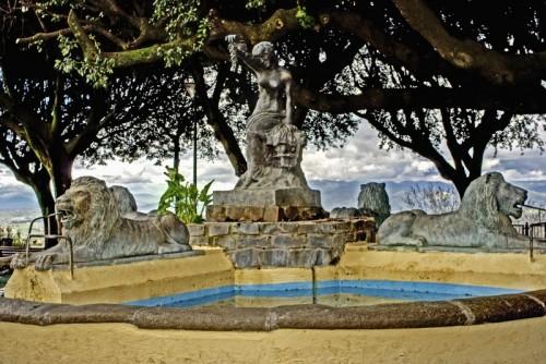 Monte Porzio Catone - Quattro Leoni a guardia