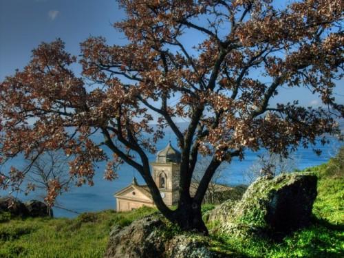 Trevignano Romano - Spunta la Chiesa dal Monte...