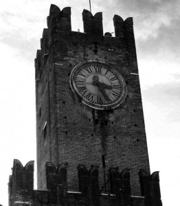 Al castello sono le ore…