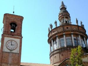 CAMAGNA M.TO – L'orologio del campanile sotto lo sguardo dei Santi.