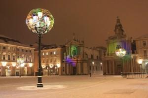 Torino - Luci d'artista in una piazza San Carlo completamente innevata