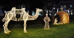 Presepe di luminarie nei giardini di Piazza Kennedy ad Avellino