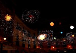 I pianeti a piazza Flavio Gioia. Luminarie 2010. Salerno