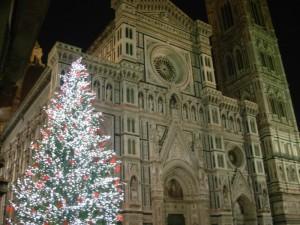 L'albero di Natale davanti al Duomo