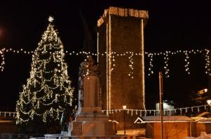 L'albero Natalizio e la Torre Scaligera